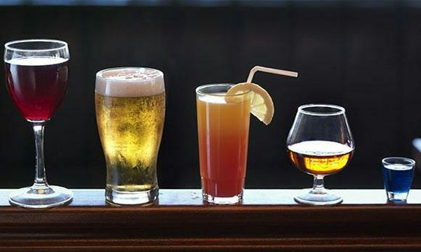 Бокалы со спиртным