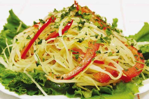 Салат с капустой и топинамбуром