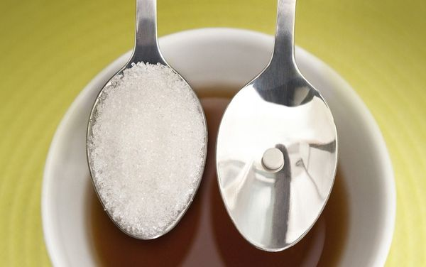 заменитель сахара и ложка сахара