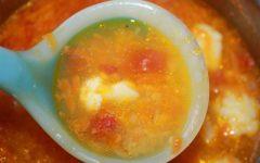 Проверяем готовность супа