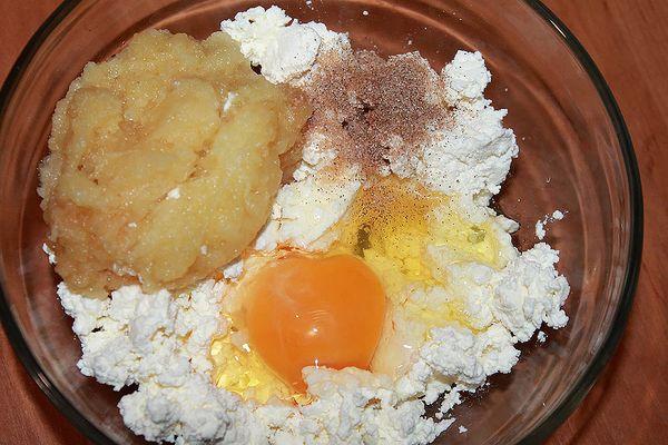 яйцо, творог, корица, пюре